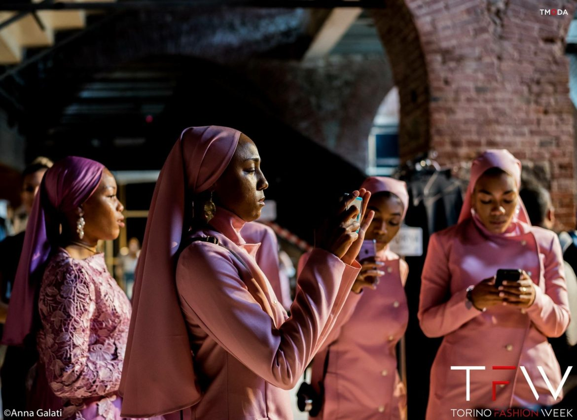 {AUDIO} The Courage and Confidence of Covering, At Home and Abroad: Fajr Prayerline Message Delivered by Ebony S. Muhammad