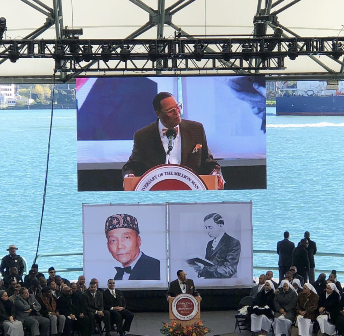 FULL REPLAY: Farrakhan Speaks At The Aretha Franklin Amphitheater In Detroit for the 23rd Anniversary of The Million Man March